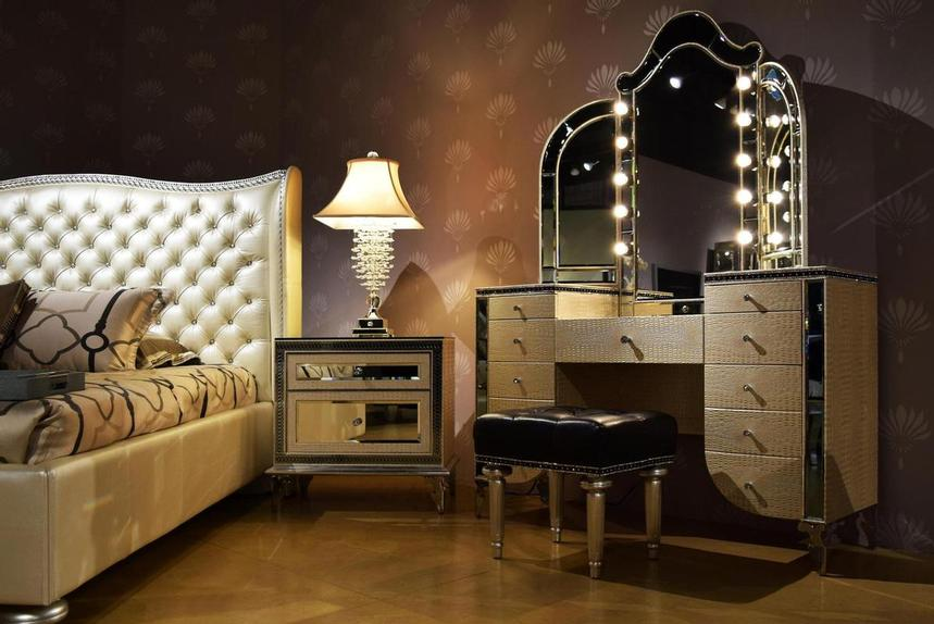 Hollywood Swank Pearl King Platform Bed  alternate image, 3 of 7 images.